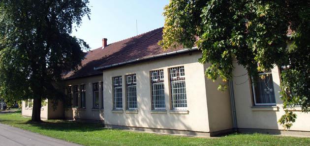 Az 1992-ben átadott iskolaszárny